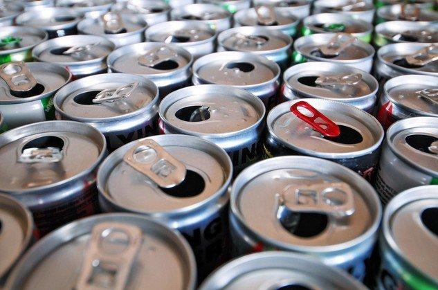 Napoje energetyzujące – czy powinny być spożywane przez dzieci?